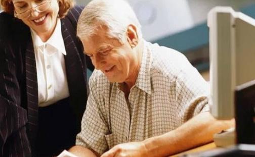 Если работающий пенсионер уволился с работы, увеличится ли его пенсия?